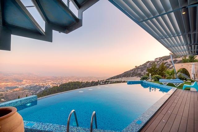 Swimming-Pool-Penthouse